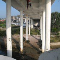 Pose de filet sous le pont - La trinite-sur-Mer (56)