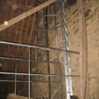 travaux accès difficile à l'église de Sarzeau pour pose de passerelle échelle et sécurisation.