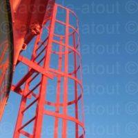 Échelle d'accès à la coupole d'un phare à Belle-Île-en-Mer.