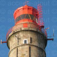 Nouvelle échelle d'accès à la coupole d'un phare à Belle-Île-en-Mer.