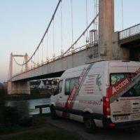 Travaux en hauteur au pont Lorois avec inspection peinture.