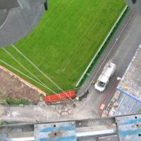Travaux d'accès difficile à la corde pour remplacement des projecteurs du stade de Lorient.