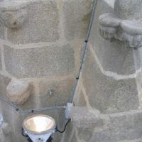 Re-cablage des projecteurs sur l'église de Plouhinec