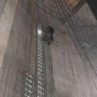 Installation d'échelles métalliques dans château d'eau