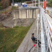 travaux d'accès difficile purge de sécurité et réparation des bétons barrage de guerlédan