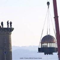 assistance pour levage d'une lanterne tour de la découverte